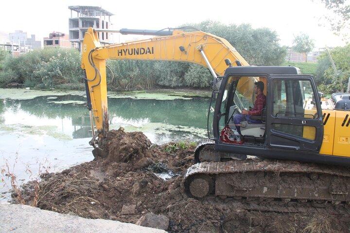 لایروبی و مرمت نهرها و رودخانه های زیرزمینی در همدان